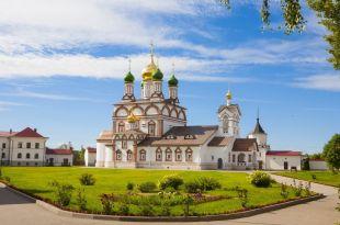 Ростовсий Кремль- Ростовский Троице-Сергиев Варницкий монастырь