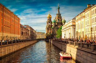 Saint-Pétersbourg - Cathédrale Sang Versé © Shutterstock