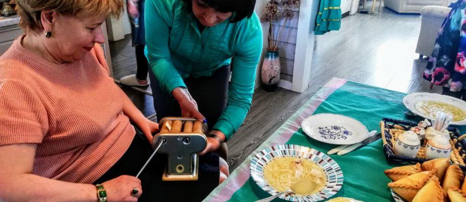 Kazan - Préparation de pâtes artisanales