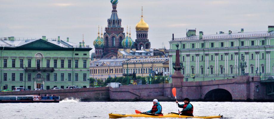 Tour en kayak sur la Neva - Saint Pétersbourg